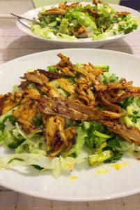 Baharatlı tavuk salata